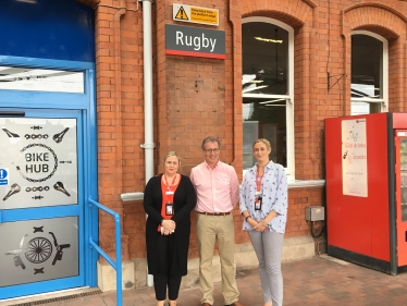 Mark Pawsey MP welcomes new improved rail services at Rugby station
