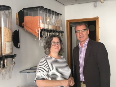 Mark Pawsey MP with Clair Saxton, owner of Rugby Unwrapped